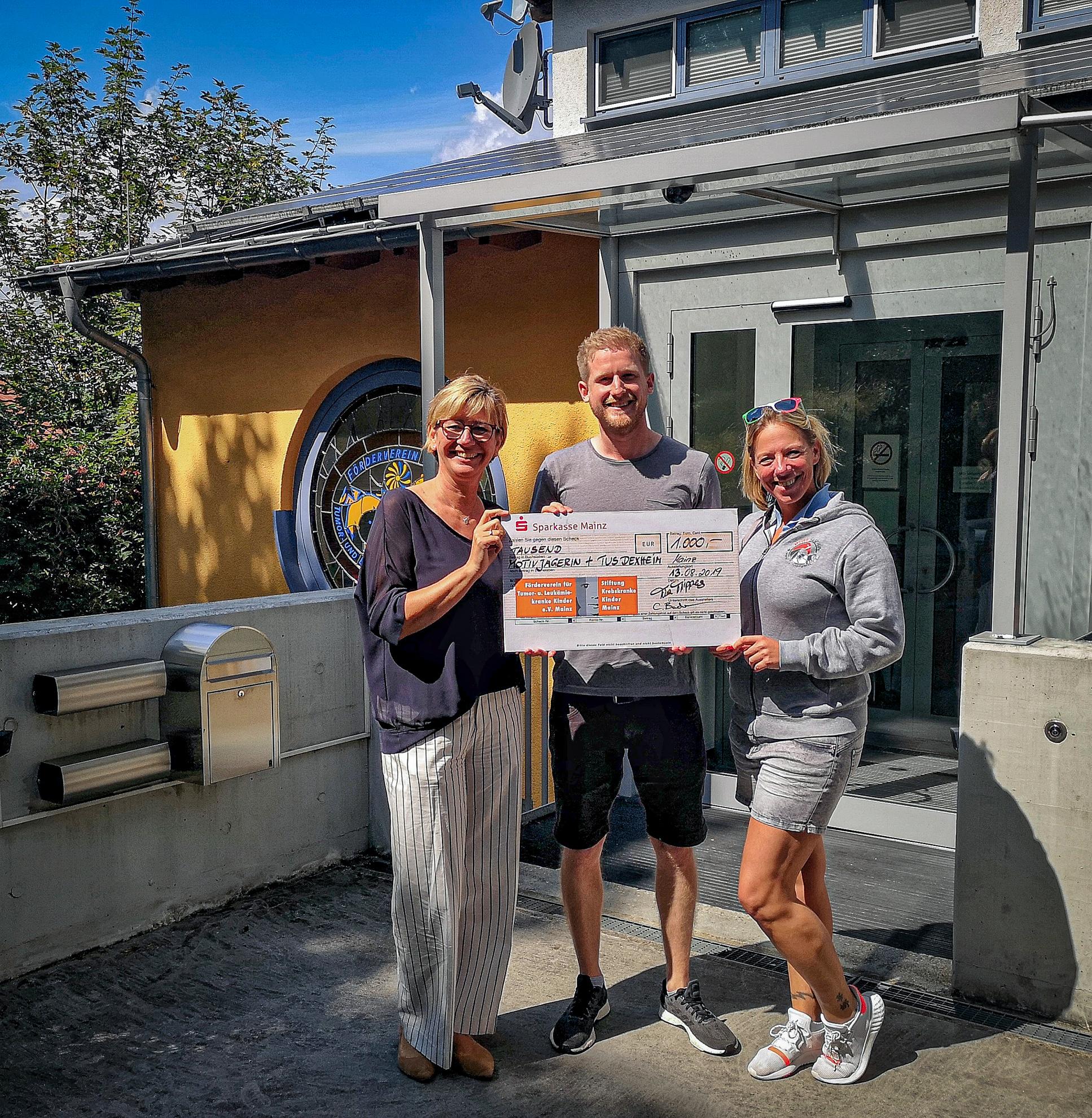 1.000,- Euro Spende für Krebskranke Kinder